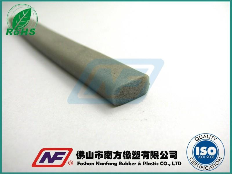 耐高温硅胶发泡条产品缩略图